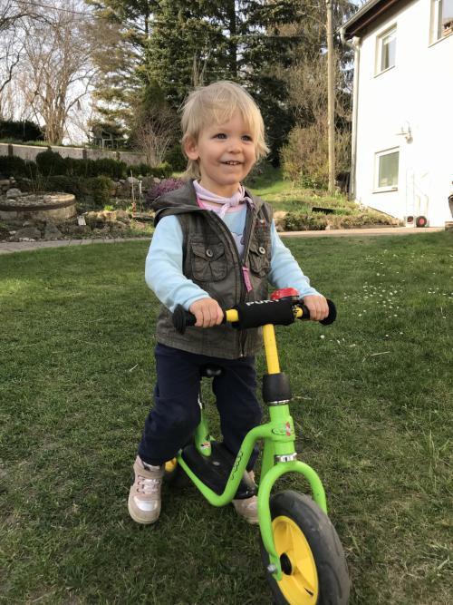 Laetitia und ihr Laufrad